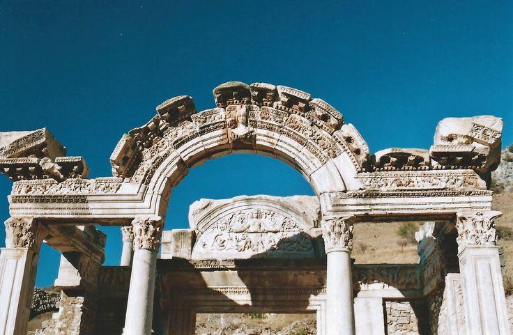 ÉFESO - Templo de Medusa