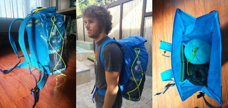 Come realizzare uno zaino da viaggio ultra-leggero con le buste IKEA Un ragazzo amante dei viaggi con lo zaino in spalla ha avuto un'idea geniale per ridurre il peso del proprio bagaglio costruendolo con delle buste FRAKTA di Ikea. Mitch cercava dei modi per alleggerire il proprio zaino da viaggio
