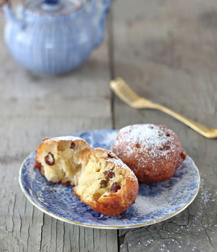 The Kiwi Cook   Oliebollen (Deep-fried dough balls)   http://thekiwicook.com