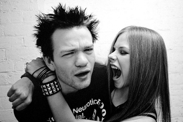 Paul Alexander shoot - 02 - AvrilPix Gallery - The best image, picture and photo gallery about Avril Lavigne - AvrilSpain.Com