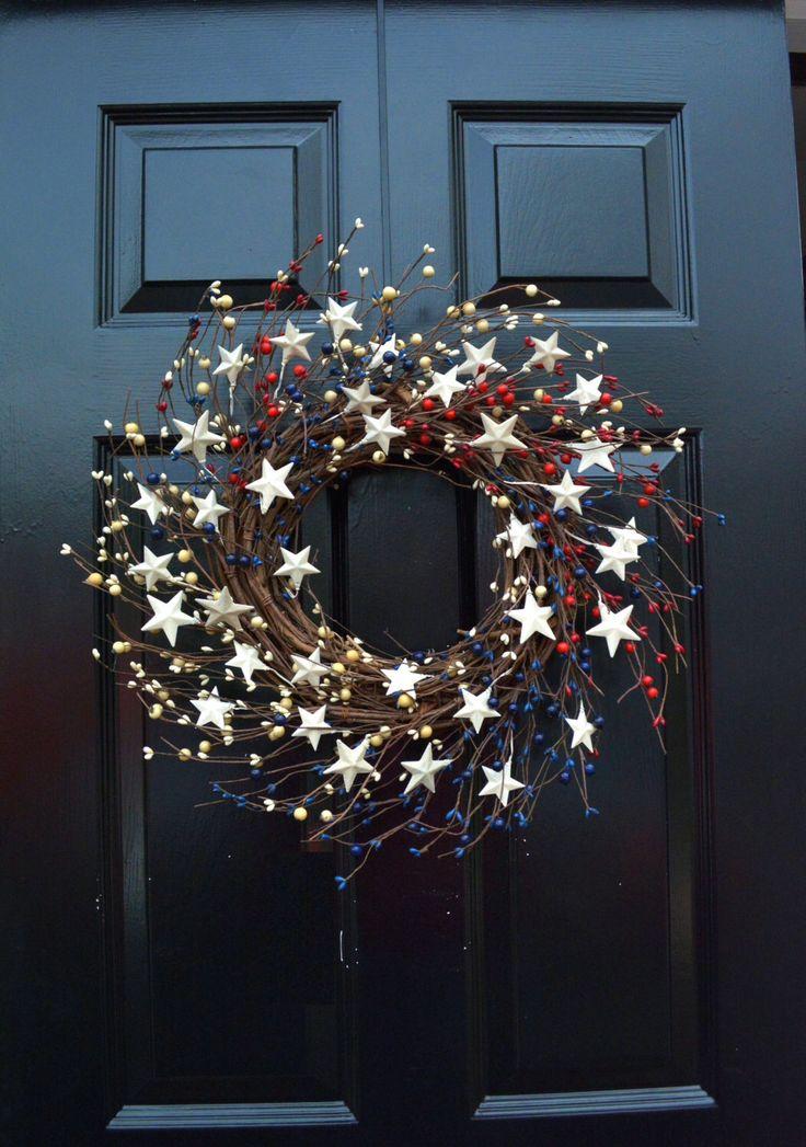 Jour commémoratif guirlande, couronne de quart de juillet, Couronne Americana, patriotique porte Couronne, couronne de pays, rustique guirlande étoiles et rayures par ElegantWreath sur Etsy https://www.etsy.com/be-fr/listing/150922865/jour-commemoratif-guirlande-couronne-de