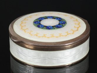 Gustav Gaudernack design for own workshop. Silver gilt guilloché enamel bonboniere with painted forget-me-not motif. The decoration is the same as used on brooches. 1912-1914.