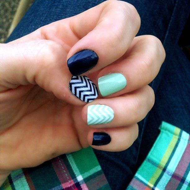 Navy Green Nail Polish: 25+ Best Ideas About Navy Nails On Pinterest