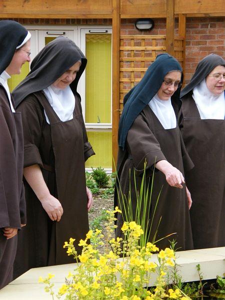 Discalced Carmelite Nuns, York | Nun Habits | Bride of christ, Nuns