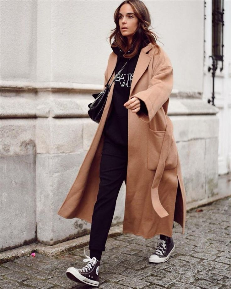 look Style and Fashion 2019 Fashion trends 2019 , Hipster Outfits, Edgy Outfits, Fashion Outfits, Women's Fashion, Looks Con Converse, Converse Style, Cosy Winter Outfits, Look Zara, 2020 Fashion Trends