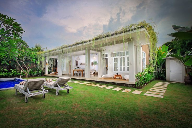 Villa Lodek Deluxe is a piece of tropical paradise that you will enjoy privately, once you opening the entrance door  you will welcomed by spacious lush tropical garden completed with coconut&