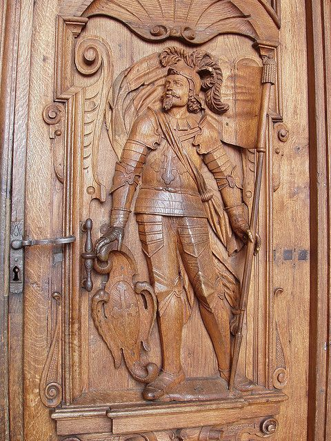 17 best images about relief wood carving on pinterest for Wood carving doors hd images