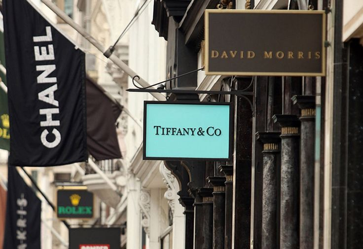 Bond street in London. 9 best destinations in London for shopping >>> http://bit.ly/1NSII2A