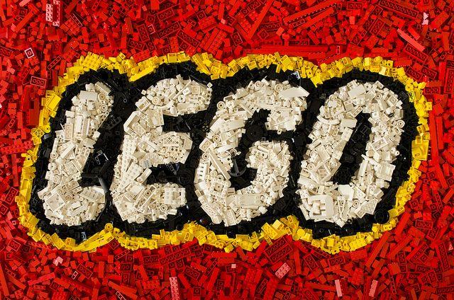 My new background!  Lego Mosaic by tikitikitembo, via Flickr