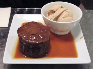 Juliette & Chocolat, chocolate fondant with fleur de sel caramel sauce