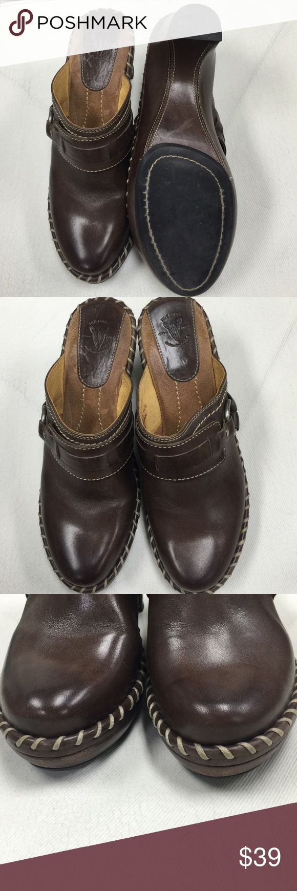 *FRYE* brown leather mule clog sz 7 1/2 wedge heel Gorgeous clogs shoe by FRYE.  These feature a whip stitch and silver o-ring that gives these an equestrian western cowboy look. Frye Shoes Mules & Clogs