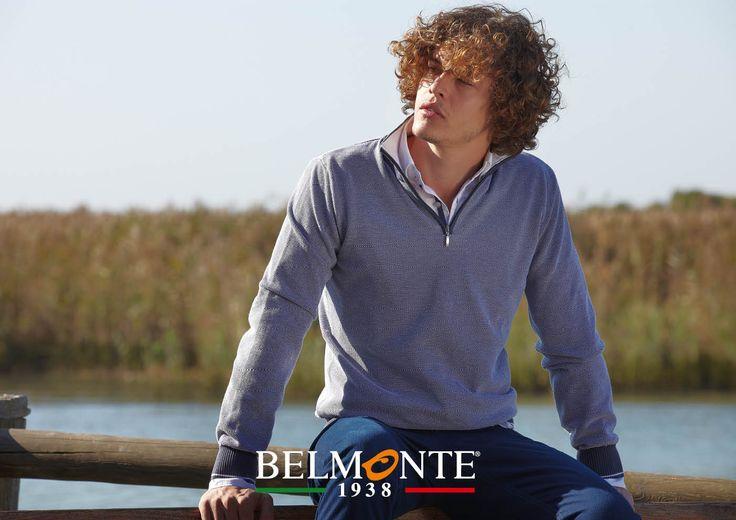 Maglia serafino a piccole coste indossata sopra la camicia. Seraph sweater combined with a shirt. #belmonte1938