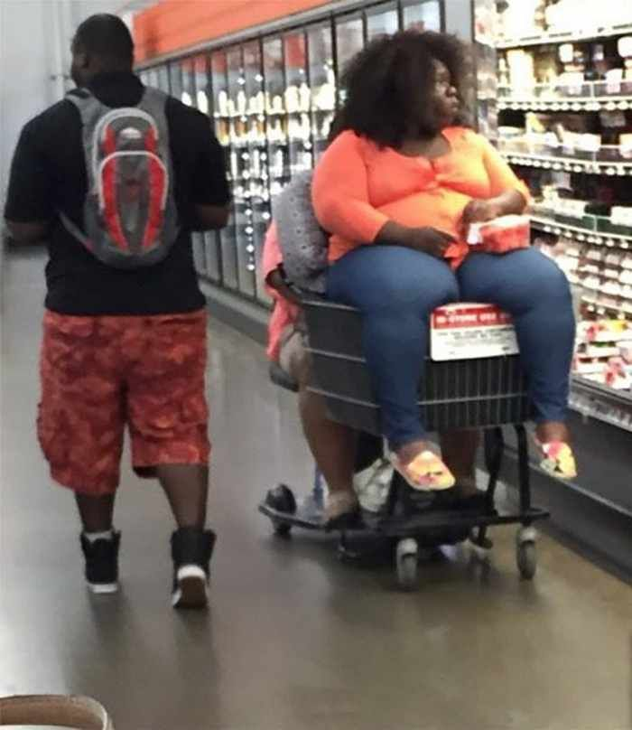 30 People of Walmart That Exist in Real Life -18