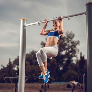 Follow this plan to build up your strength so you can do a pull-up. This workout routine will build your upper body strength and will have you ready to do a pull up in no time. Sculpt your arms and build muscle with these simple steps.