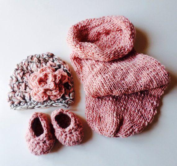 Baby Set Cappellino e Scarpine Sacco Nanna Neonato Rosa Uncinetto Shabby Chic servizio fotografico neonato Idea regalo mamma baby cocoon on Etsy, €45,00