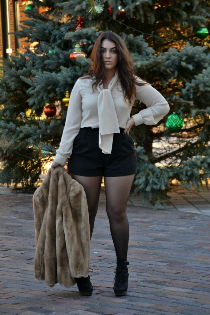 {Warm WInter} REAL Curvy Girl inspiration from Nadia Aboulhosn, her blog: Nadia Aboulhosn