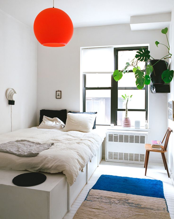 In a New York Apartment, Dimes Co-Founder Sabrina De Sousa Lives With What She Makes