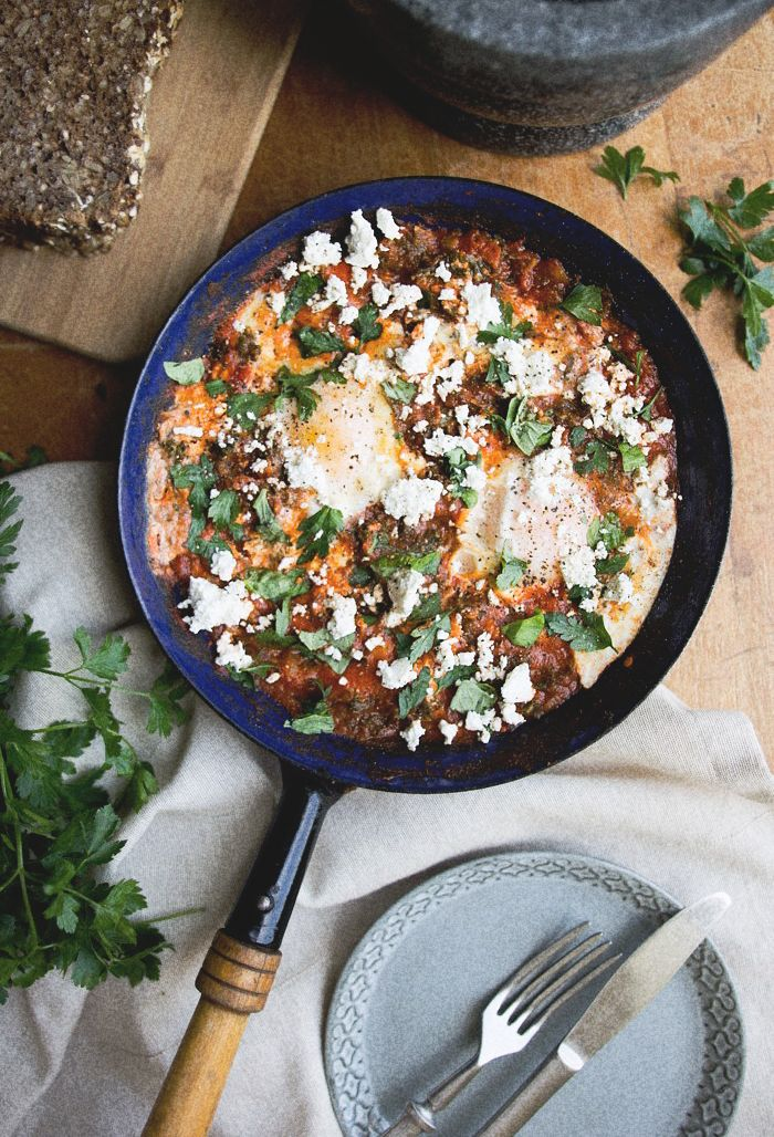 Kale and goat cheese shakshuka — Coutellerie