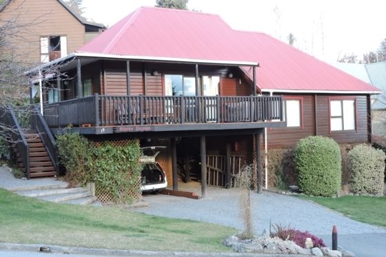 Alpine Retreat - Alpine A-Hanmer Springs-Bach or holiday home