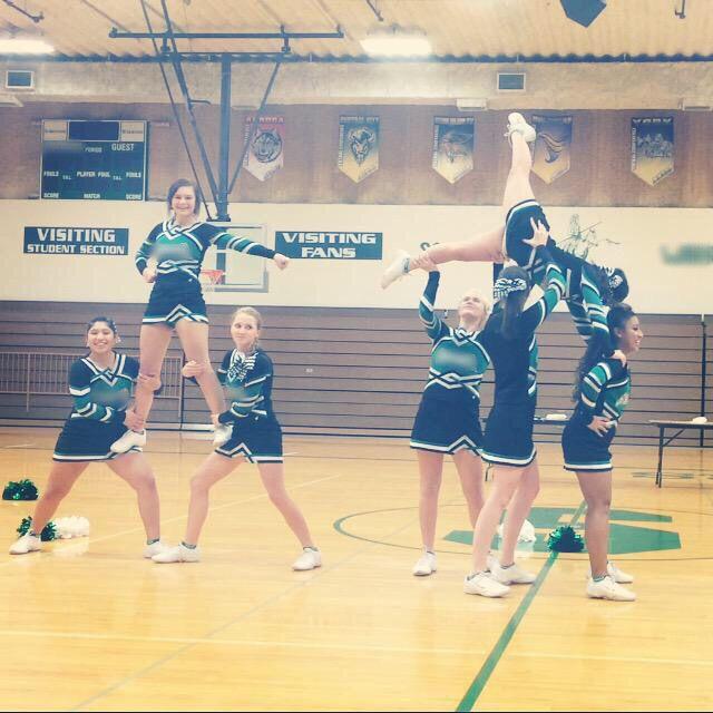 Easy cheer stunt