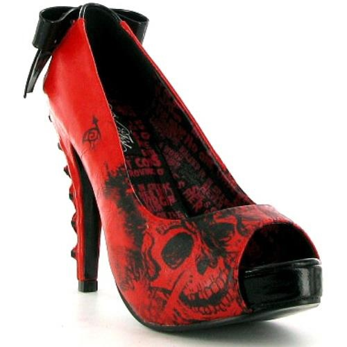 Skull heels. I almost bought these in pink and black!
