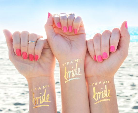 Ensemble de 12 « équipe mariée » © favor de partie de bachelorette, bachelorette tatouage tattoo flash, or tatouage, parti mariée, demoiselle d