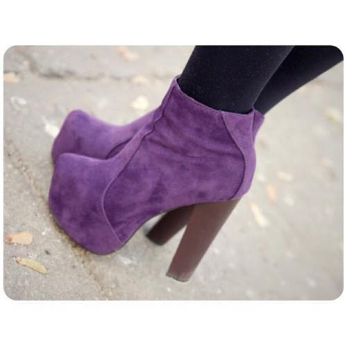 tronchetti viola, shoes, calzature, #shoes, scarpe tacco, scarpe tronchetto, tacchi alti