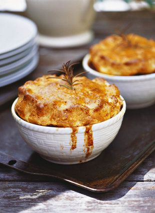 Biefstuk en bierpastei  | SARIE |  Beef and beer pie #men #yum