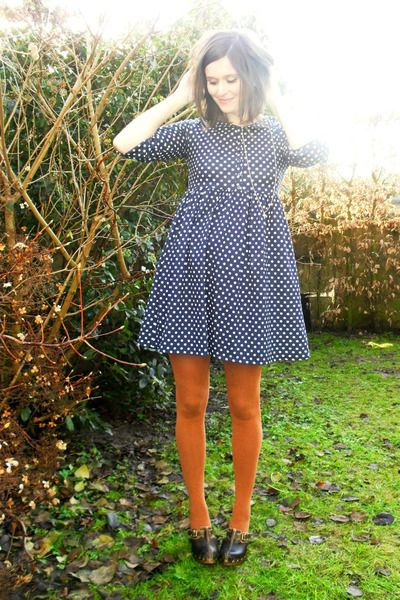 blue polka dot dress, mustard tights, brogues, outfit, style, autumn, fashion, bob