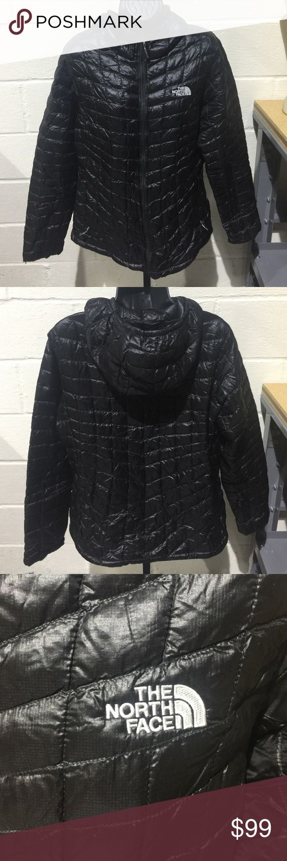 The North Face Women's Full-Zip Thermoball Jacket This sleek black North Face Thermoball jacket is brand new without tags.  Contours to your body, insulated, water repellent and in perfect condition!! North Face Jackets & Coats