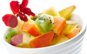 Plato de frutas trópicales