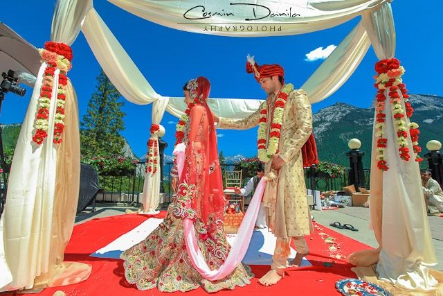 sweet and simple mandap!  Mandap Madness: Get Ready For Spring With Outdoor Mandaps!