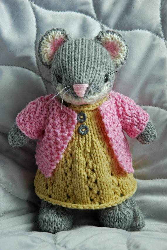 Knitted Mouse Toy in Yellow Dress and Pink Sweater Toys, Knitting and Patterns