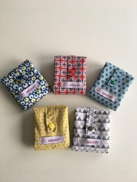 Le Pere Noël a pensé au côté pratique avec ces sacs coton pliables. Maintenant un petit sac discret et utile sera toujours avec vous.