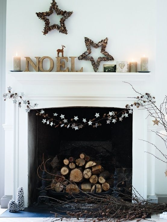 Simple but still festive! 31 Minimalist Christmas Décor Ideas | DigsDigs