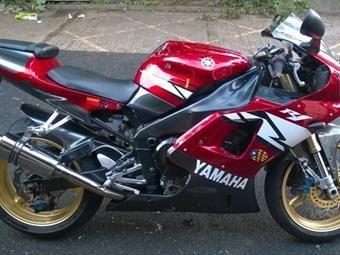 YAMAHA R1 (1999/T)
