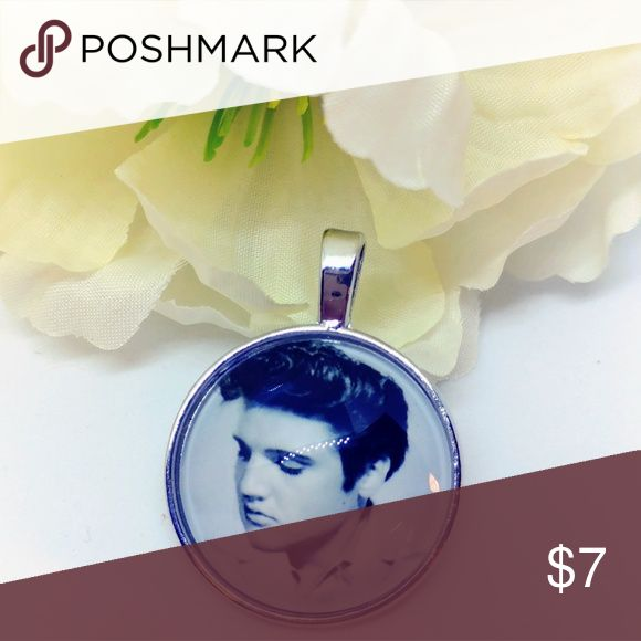 """🆕Elvis Collectors Pendant Brand new in pkg.  1.5"""" tall. Silver metal and glass. Fits any silver chain Jewelry Necklaces"""