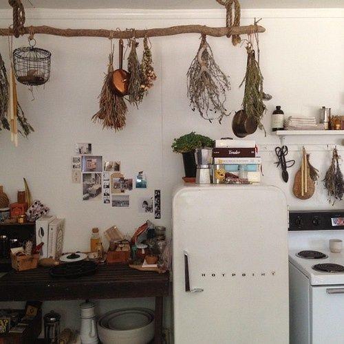 Unfitted Kitchens - great character  http://1.bp.blogspot.com/-txlpvy9gfHE/UW5doP6m5uI/AAAAAAAAMQE/fkTbHyDH2iU/s640/vintage+retro+fridge+in+eclectic+kitchen.jpg