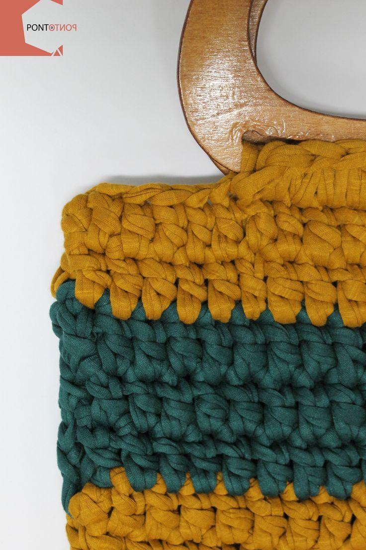 Ponto a Ponto | Modelo #6  Mala de mão | Padrão Amarelo # Verde | Alças em madeira   Para mais informações vá a https://www.facebook.com/pontoapontobags :)