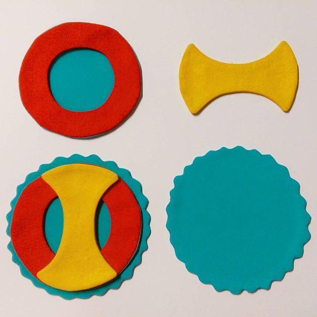 Work in progress  . . . #textileart #colorgasm #sewing #contemporaryart #new #art #eatenkate #shapes #primarycolors #studiolife #contemporarycraft #stitching #sweden #crafts #konsthantverk  #swedish #fiberart #fiberartsweden #needlecraft #konst #kunst #taide #handwerk #dutchartist #dutchart #sverige #göteborg #instagood #artinspiration