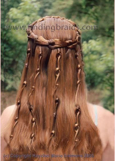 Wow. This is gorgeous.: Hair Colors, Midevil Hairstyles, Celtic Queen, Knot Braids, Celtic Hairstyles, Hair Style, Braids Crowns, Queen Hairstyles, Wedding Hair Crowns Braids