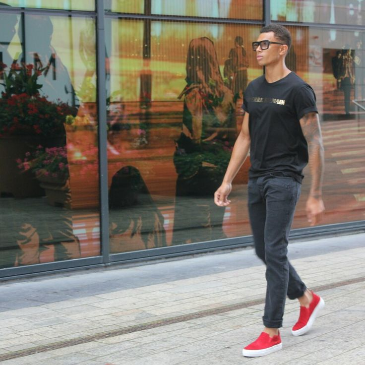 Why be normal? While you can be luxurious in Joaz.Palm footwear.  WE ARE JOAZ.PALM  www.joazpalmdesigns.com @kick_almere   #lifestyle #luxurymen #luxurywomen #workout #goals #red #menswear #brand #wearejoazpalm