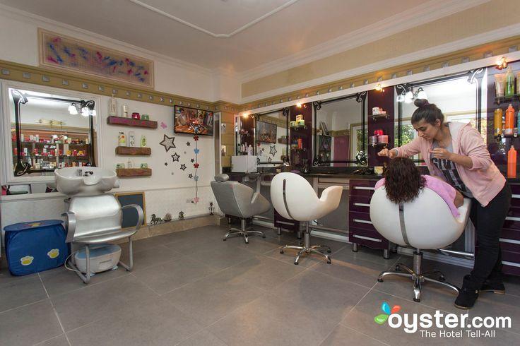 Hairdresser at the Oscar Resort Hotel
