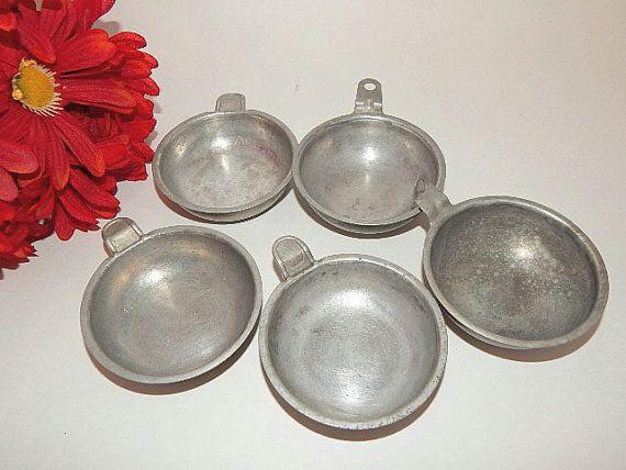 Measuring Cups Five Vintage 1940's Aluminum by TKSPRINGTHINGS