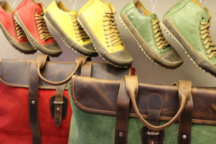 Rolling Line #aguapatagona #soles #leather #rubber #bones #marcapaisargentina #shoes #boots  #argentinadesign  #Girona #CostaRica #BuenosAires #SanTelmo #SANDALS