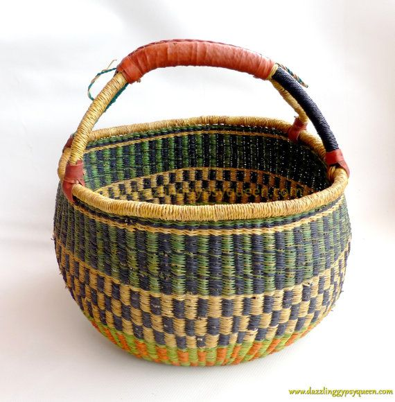 market basket african woven market basket picnic basket beach tote leather handles. Black Bedroom Furniture Sets. Home Design Ideas