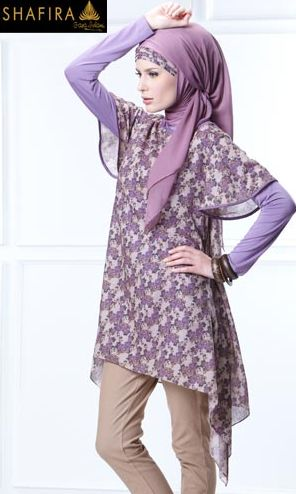 Shafira's loose short-sleeved tunic... if anyone can explain to me how this hijab is wrapped, please do!!!