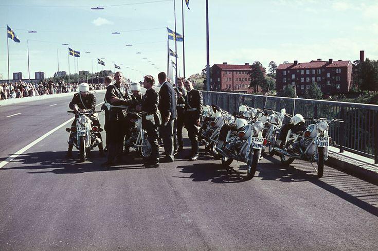 Essingeledens invigning. Poliser med motorcyklar.