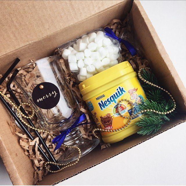 Подарочный какао-бокс☕️ -какао -маршмэллоу -бокал+трубочки -декор (+коробка) Любое стильное оформление по вашему желанию 690₽ _______________________ По заказам direct / WA +7913-027-46-04 #подарочныйнабор #подарочныйбокс #боксвподарок #дляпраздника #box #giftbox #подарочныйбокс22 #барнаул #подаркибарнаул