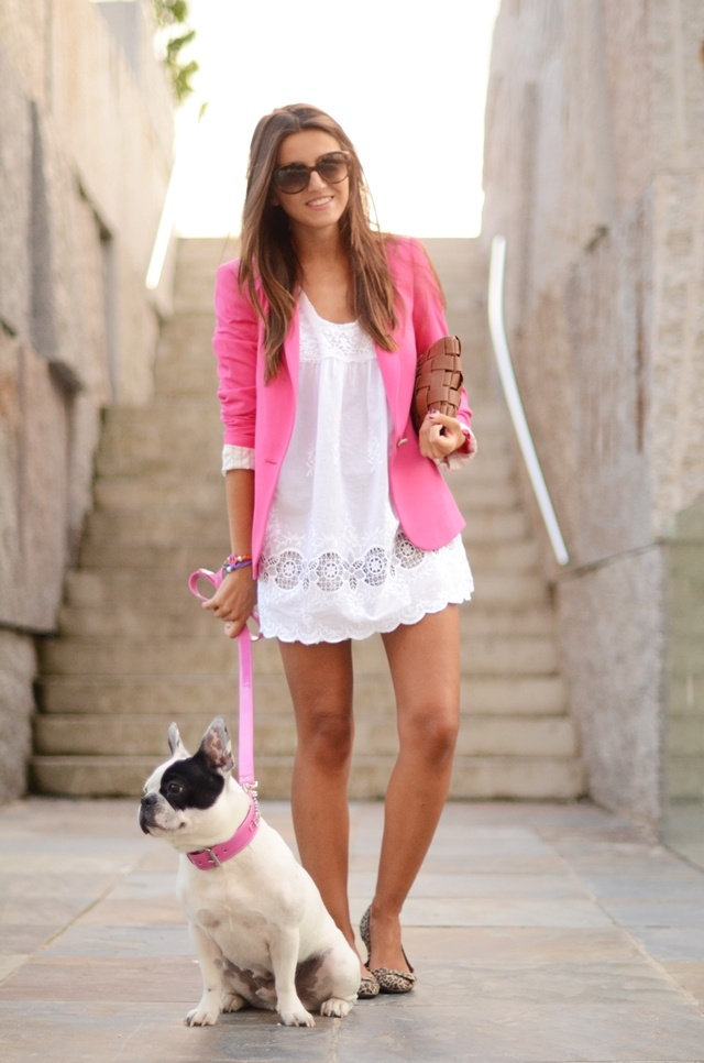 love the outfit. hate the dog.